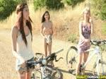 Elles aiment faire du vélo toutes nues