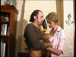 La première vidéo porno d'Estelle