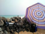 On adore baiser sur les plages naturistes