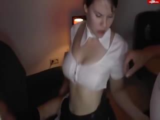 Femme de ménage defoncée par plusieurs clients de l'hotel