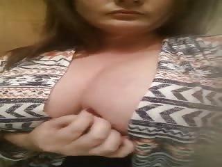 Maman montre ses gros seins sur snapchat