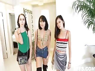3 soeurs baisent ensemble
