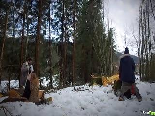 Partouze à la neige entre potes