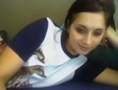 Sexy teen s'exhibe sur le chatroulette