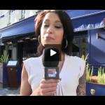 Jean Michel de TPMP se fait interviewer par Nikita Bellucci