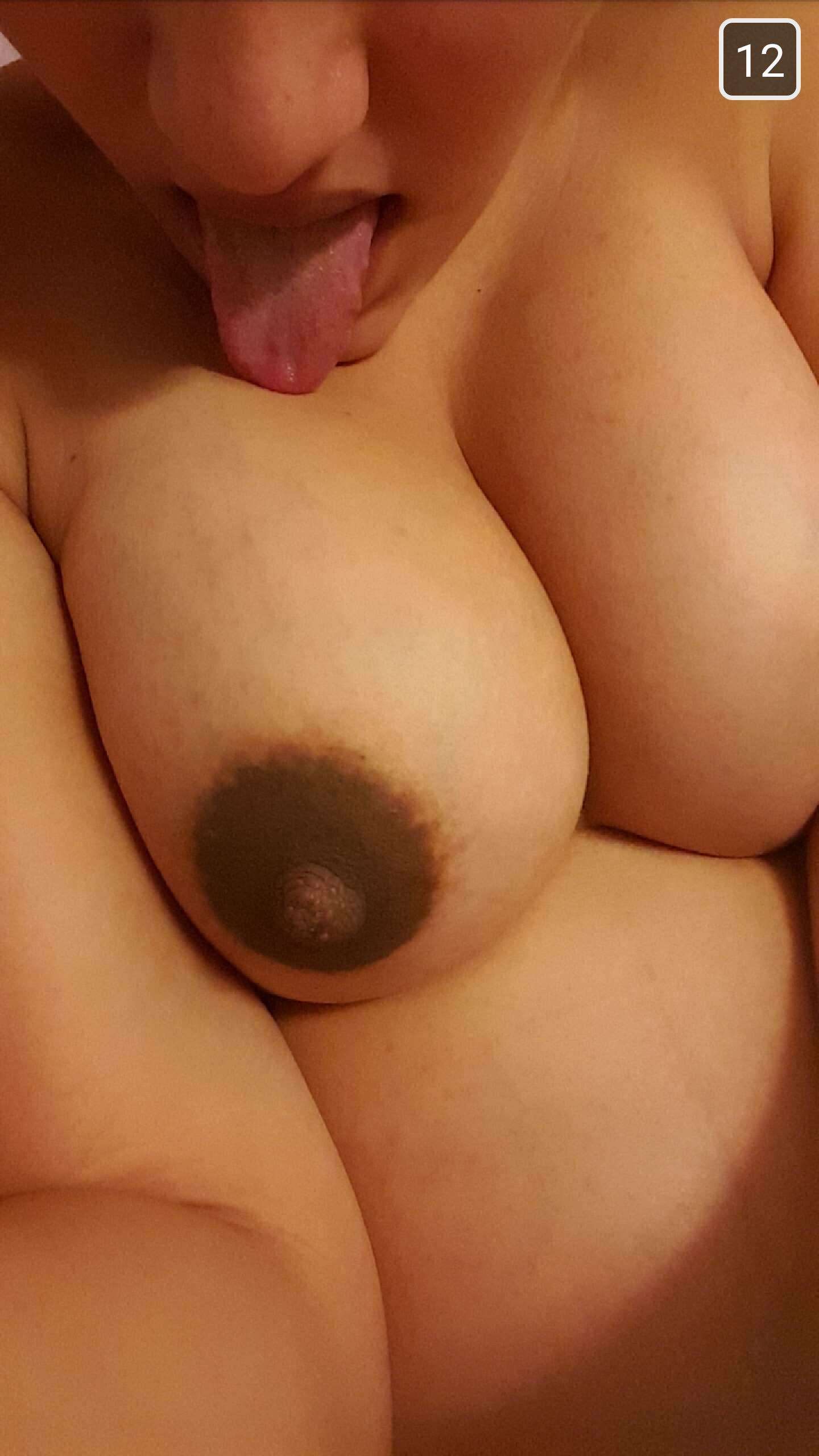 elle encule sa copine des putes
