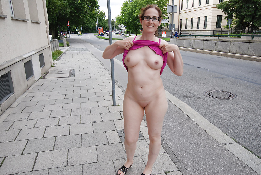 Naked Mature Big Tits Exhibitionist