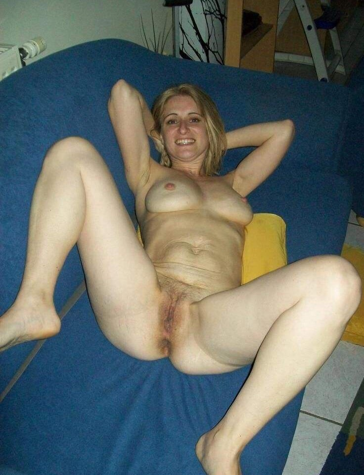 image Sexy blonde on webcam