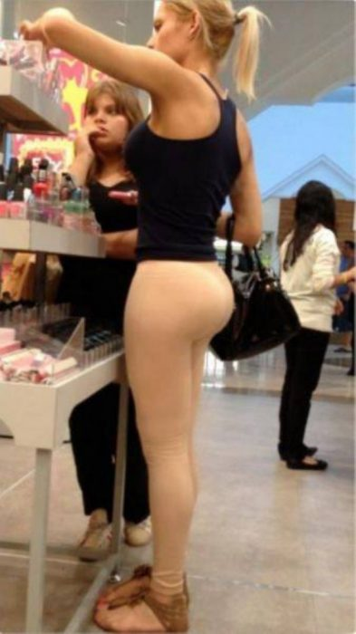 hot_women_do_grocery_shopping_too_640_21