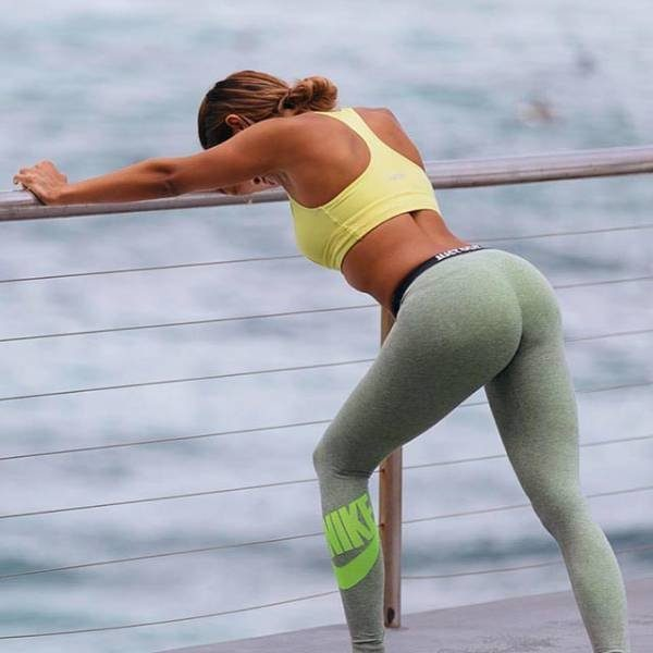 yoga_pants_are_a_real_turnon_640_05