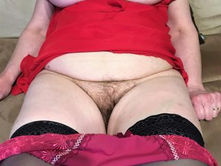 Ma femme dans sa nuisette rouge