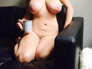 DELICATEDALLIANCE une belle amatrice aux gros seins