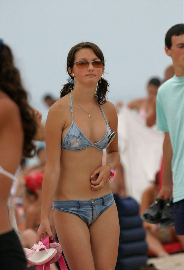 Candid Of Always Fresh About Nudist Girl Beach 1