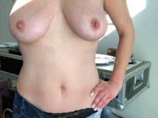 Madame attend vos avis sur ses seins